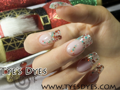 christmas-nails-with-bling.jpg